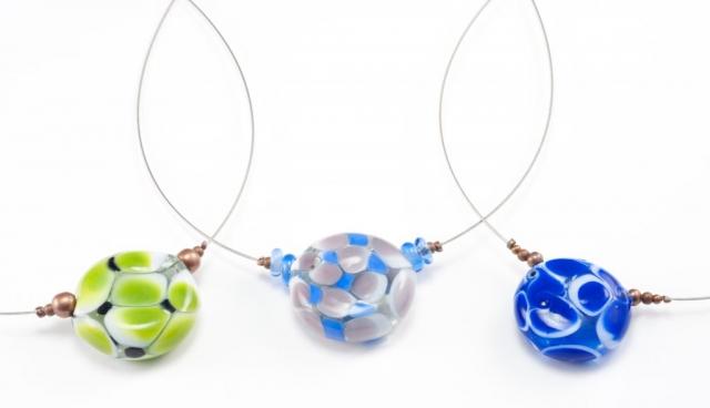 Colliers en verre soufflé