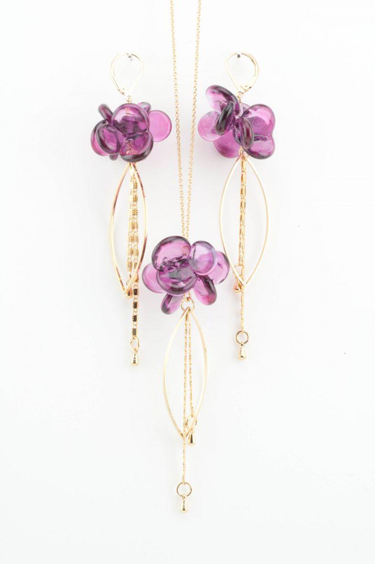 Parure en verre filé de fleurs; fabrication artisanale à Paris