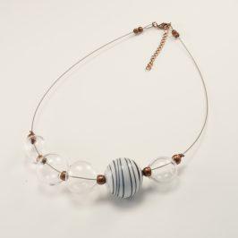 Des bijoux en verre soufflé
