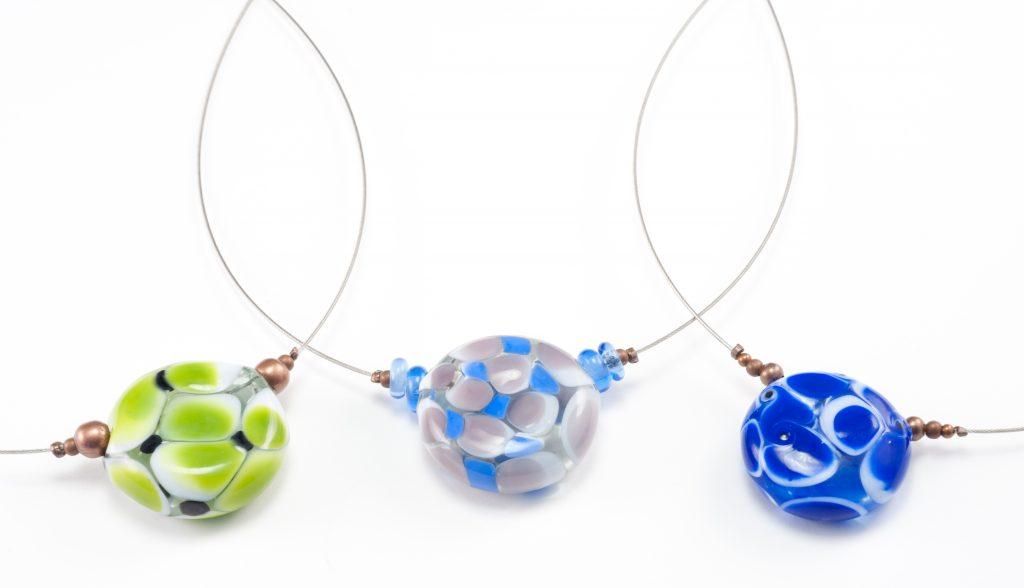 Bijoux en verre soufflé paris collier avec des perles de verre soufflées au chalumeau artisanat sur-mesure